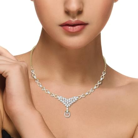 Classic Clutch Diamond Necklace