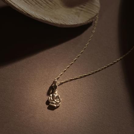 Classic ganesha pendant jewellery india online caratlane classic ganesha pendant aloadofball Gallery