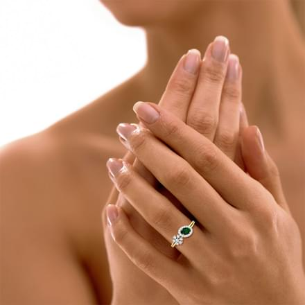 Greenish Starlight Ring