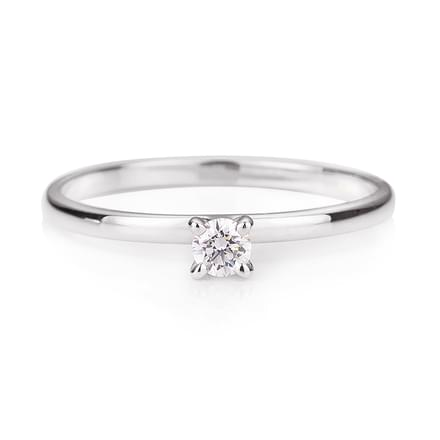 Minimal Platinum Diamond Ring