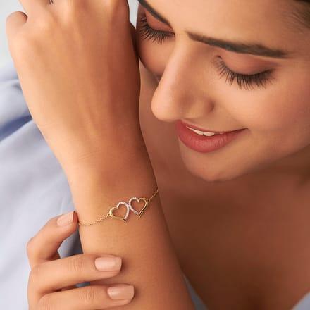 Kissing Heart Bracelet Jewellery India line CaratLane