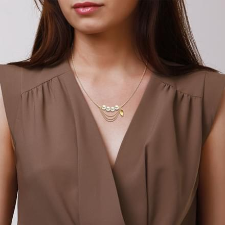Linear Pearl Necklace