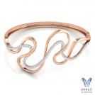 Curvaceous Oval Bracelet