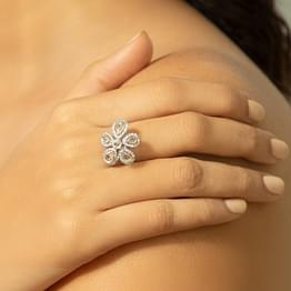 Mehek Flora Ring