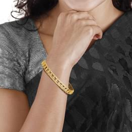 Linked Circle Gold Bangle