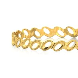 Ovate Cutout Gold Bangle